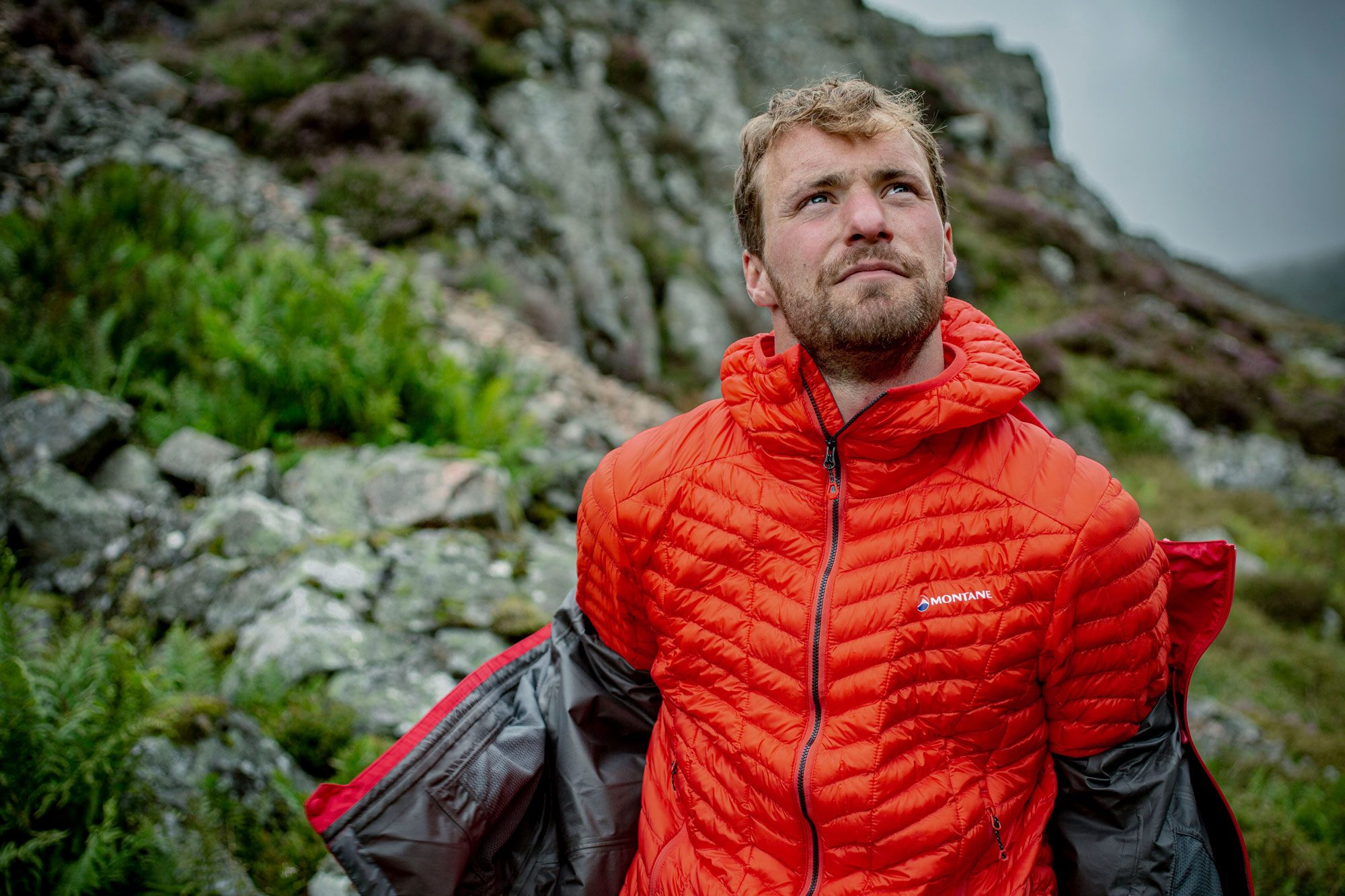 Super light and packable, the cross core insulated Icarus Lite Jacket for men from Montane is the perfect addition to any day pack.