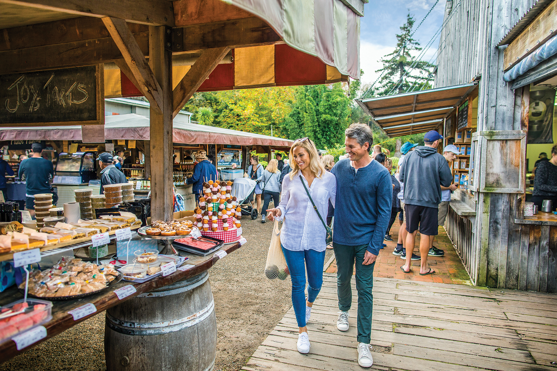 An easy drive from New Zealand's largest city, Matakana captures the essence of kiwi rural bliss as the arts and foodie gateway to the North, discovers Nick Walton.