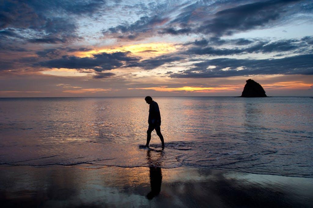 Paul Theroux in Costa Rica/Steve McCurry