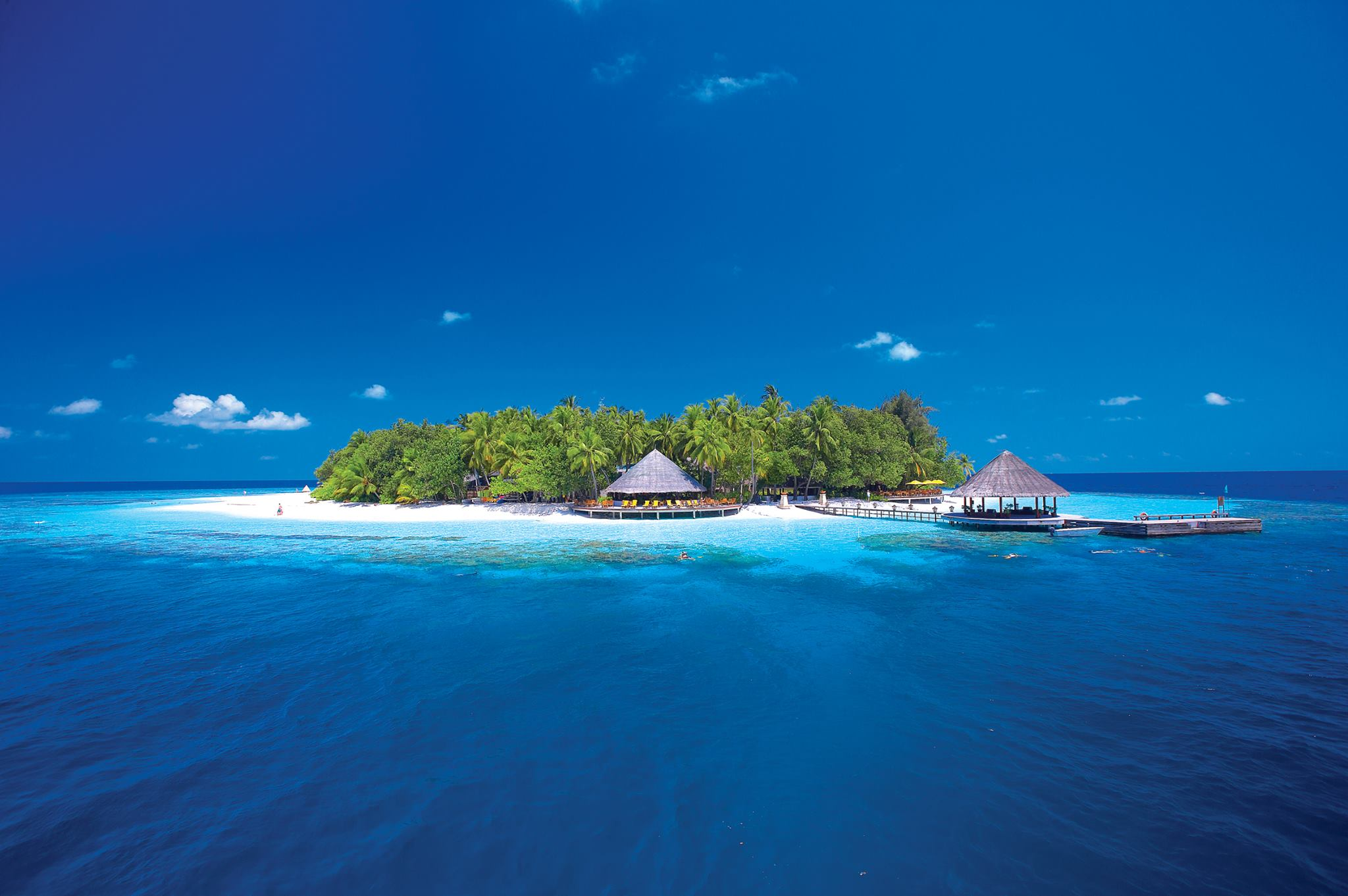 Nick Walton keeps the flames of amour alive with a visit to a duo of decadent Angsana hideaways in the Maldives.