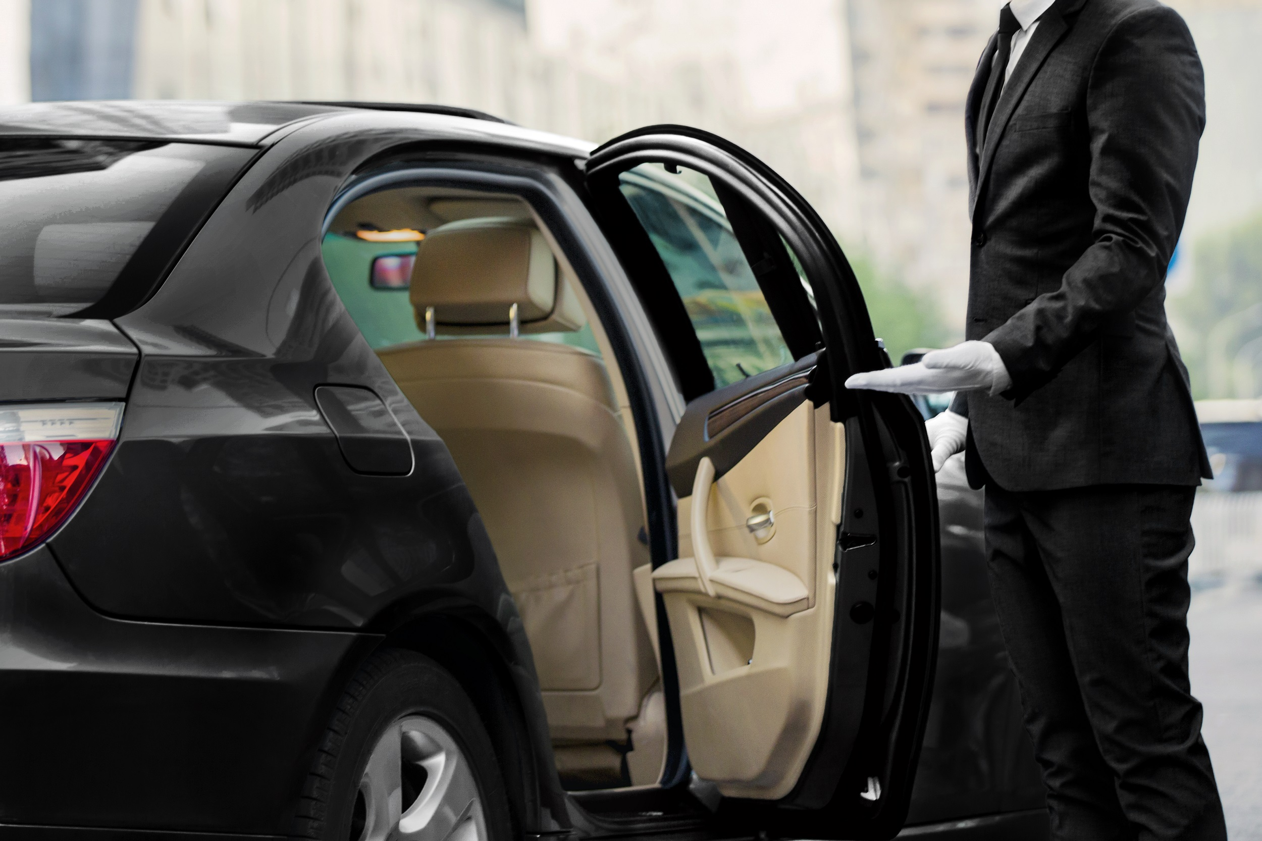 Silversea Cruises has become the first ultra-luxury cruise line to offer guests private executive transfers as standard after entering into an exclusive collaboration with global chauffeur service Blacklane.